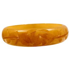 Bakelite Carved Butterscotch Bangle Bracelet