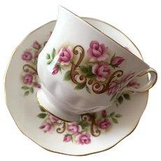 Queen Anne Bone China Tea Cup & Saucer - # 8505 - Roses
