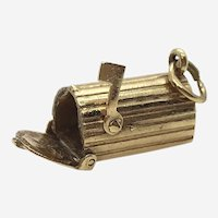 14 Kt Gold Movable Mailbox Charm