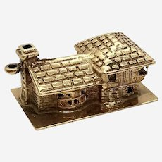 !4 Kt Gold House Charm