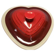 New Le Creuset Cerise Red Heart Dish with Lid 2.5 Quart Stoneware Casserole Dish