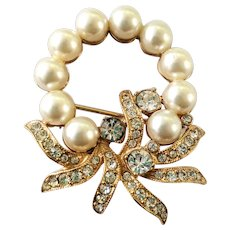 Designer Signed Eisenberg  Faux Pearl And Rhinestone Wreath Brooch