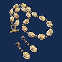 Vintage Lucite Carved Cameo Bead Necklace And Earrings Set