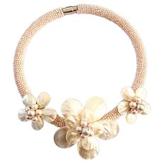 Tropical Beach Floral Shell Pendant Glass Bead Choker Necklace