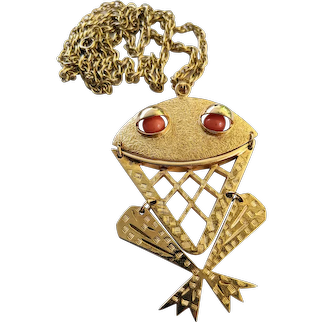 Signed Sarah Coventry Large Gold Tone Frog Pendant Necklace