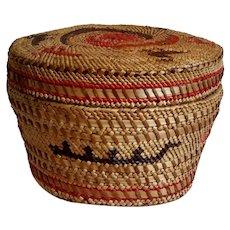 Early Nuu-Cha-Nulth (Nootka) Native American covered basket