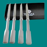 Vintage Towel Sliversmiths Steak Knives set of four