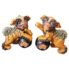"""Incredible vintage Wucai clay pair of foo dogs. Highly detailed. 8""""x6"""