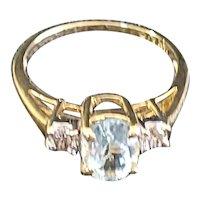 Beautiful 14kt Aquamarine and diamond ring