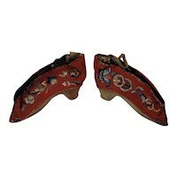 """Antique 19th century childrens lotus shoes. Beautiful embroidery 5.5"""""""