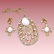 White Scrollwork Necklace Earrings Set