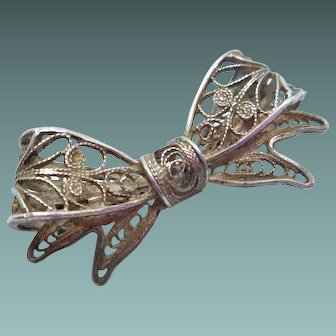 Vintage 800 Silver Filigree Bow Pin
