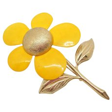 Sarah Coventry Yellow Flower Pin