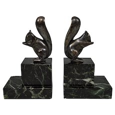 Pair of Art Deco bookends squirrels in silvered bronze on marble top, by Marcel Guillemard, France, Circa 1925