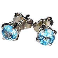 18 Kt white gold earrings with blue topazes diameter 5 mm