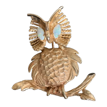 14 KT Solid Gold Pin Owl Design Great Detail and Oval Fire Opal Eyes Excellent. Estate Vintage