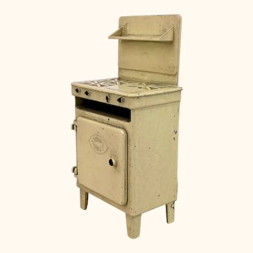 Crescent Toys cream cooker / stove