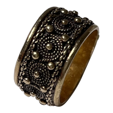 14k Gold Scroll Work Band