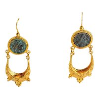 Earrings in gilded 925 silver with ancient bronze coin and saddlebag roman-etruscan style
