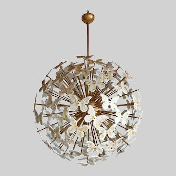 Very Large Mid Century Modern White Murano Glass Butterflies Sputnik Chandelier, Changing Colors When Lit