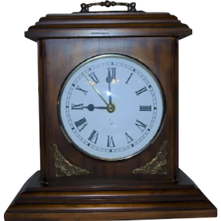 Walnut wood clock from the 80s
