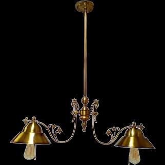 Billiard style lamp