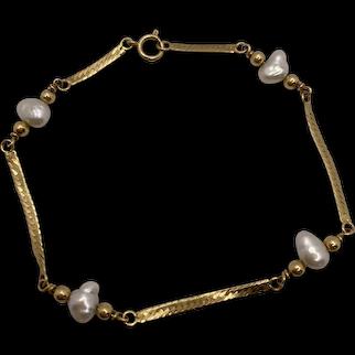 14k Herringbone Bracelet with Freshwater Pearls
