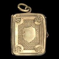 Edwardian Gold Cased Locket Pendant Textured Patterned c.1907