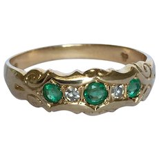 A wonderful Victorian Emerald Diamond 14K gold ring
