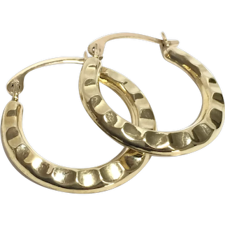 Pretty Small 9Ct Gold Hoop Earrings