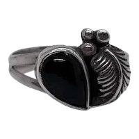 Vintage Navajo Signed Squash Blossom Ring Silver Black Onyx