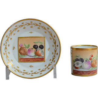 Litron Paris porcelain cup with polychrome fruit decoration Early 19th century