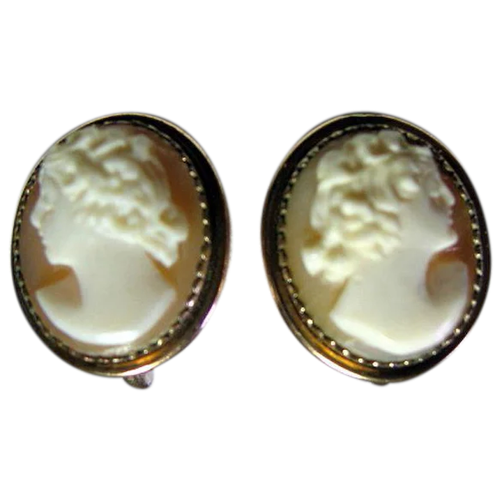 16df506fa Vintage Carved Shell Cameo Screw Back earrings. : Loveoldstuff Costume  Jewelry | Ruby Lane
