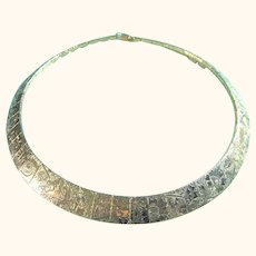 Floral Embossed Collar Necklace Gold Tone