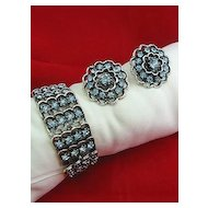 Gorgeous Bracelet & Earrings Set Vintage Blue Rhinestone & Silver Tone