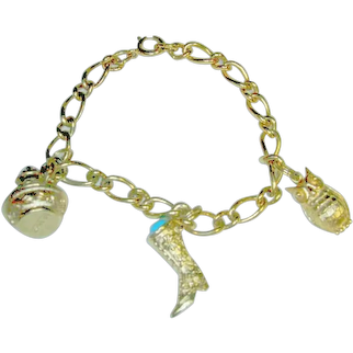Avon Bracelet & Charms Victorian Style Gold Tone