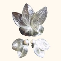 Vintage Silver Tone Wire Leaf & Pearl Brooch & Earrings Set
