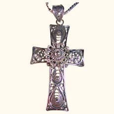925 Sterling Silver Ornate Lacy Cross Pendant / Necklace