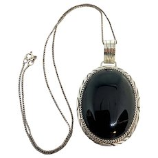 Navajo Johnson Yazzie Signed Sterling Silver Onyx Pendant Necklace