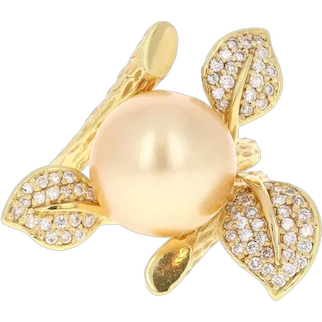 Diamond and Cultured South Sea Pearl 18 Karat Yellow Gold Ring