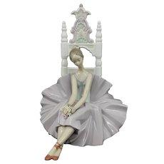 Lladro Figurine Girl Posing For a Portrait Ballerina Dancer Model 6486