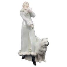 Royal Doulton Figurine A Winters Walk HN3052