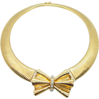 Elegant Signed: Bijoux Cascio  flexible collar necklace with Bow
