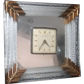 This listing is for a Vintage Art Deco Glass Tube Mirror  New Haven Clock