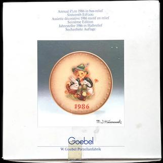 "Hummel Goebel 1986 ""playmates"" plate"