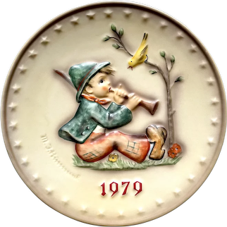 """Hummel Goebel 1979 """" singing lesson """" Annual collectible plate"""