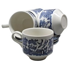 Set of Blue and White Pottery - Manufacture Churchill England - Tableware England - 4 Tea Cups and Saucers