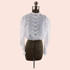 Edwardian 1900s white blouse with hand embroidery pigeon front pintuck pleats size S