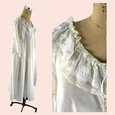 Eve Stillman cotton fly away robe with embroidered ruffles and lace Size M