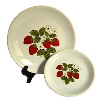 McCoy Strawberry Country Dinner Plate and Salad Plate, Set of 2